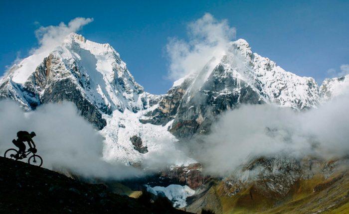 Extreme Umrundung mit dem Mountainbike Cordillera Huayhuash Yerupaja